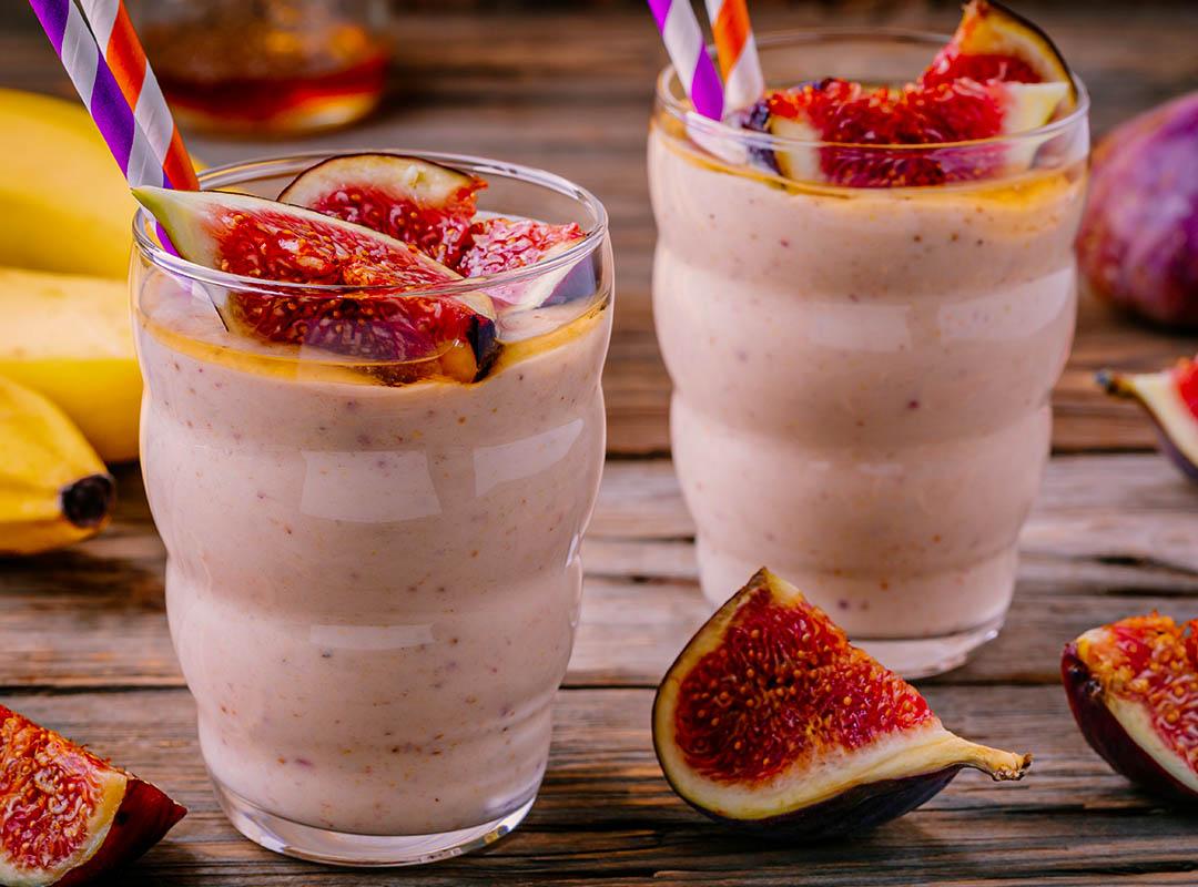 Almond Walnut Fig and Strawberry Custard Smoothie