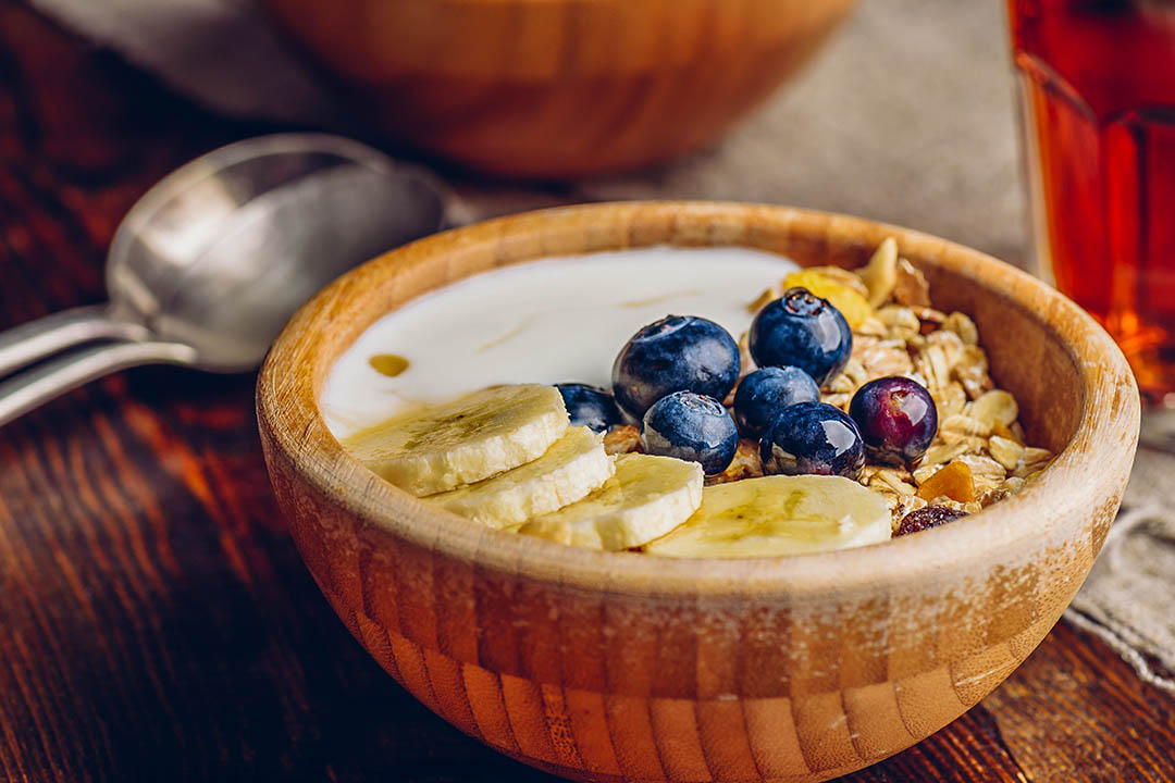 Picture of a bowl of Granola with Banana and Blueberry.