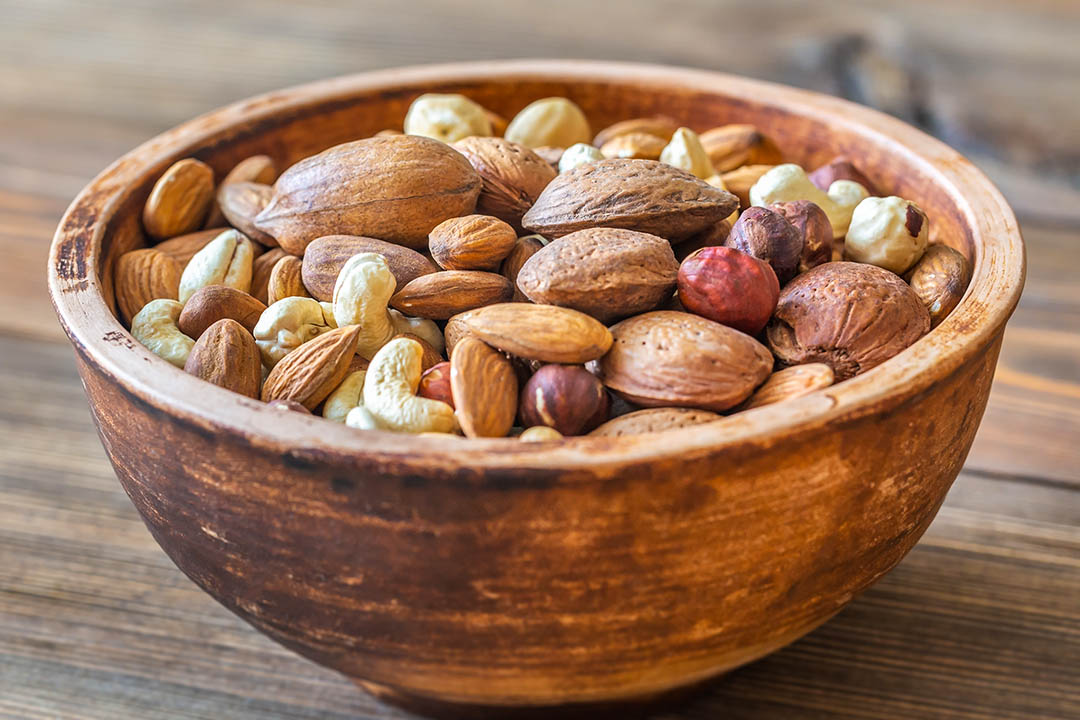 Picture of a bowl of nuts